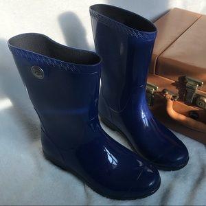 UGG rain boots size 6.5